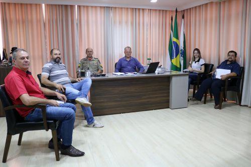 Autoridades de Cafelândia participam de reunião com a Defesa Civil