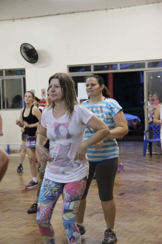 Projeto de aeróbica muda a vida de mulheres em Cafelândia