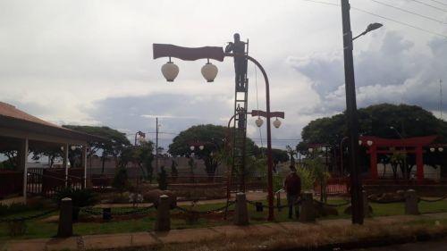 Iniciado a decoração natalina em Ubiratã