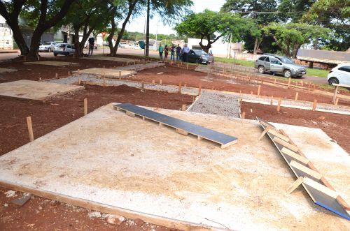 Visita às obras de construção de Praça no Bairro Esperança