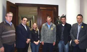 Da esquerda para a direita: Ademar Klein, Reni Pereira, Beatriz Lemanski, Vicente Gusson, Martinho Lucas de Godoy e Fábio D'Alécio
