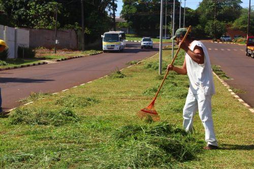 Serviços Urbanos iniciam limpeza geral da cidade