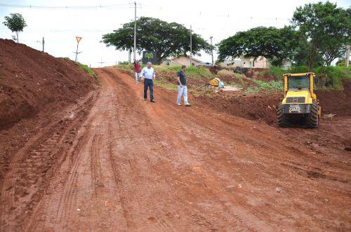 Município faz terraplenagem de terreno para início das obras do Meu Campinho