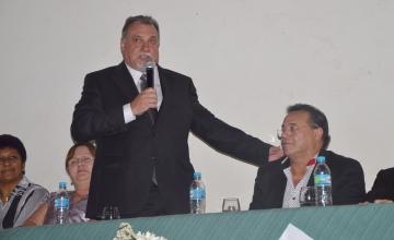 O prefeito Baco prestigiou a abertura e parabenizou aos organizadores e todos que est�o participando do Semin�rio Empresarial e Semana Pedag�gica