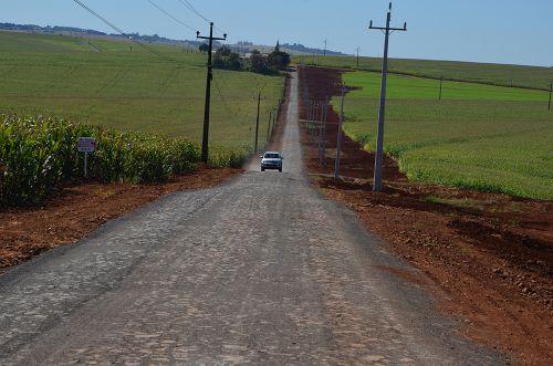 Mais um trecho da Estrada Mato Grosso recebeu pavimentação poliédrica