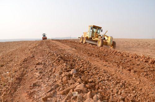 Cascalhamento e recuperação de estradas rurais na Semana Sempre Yolanda