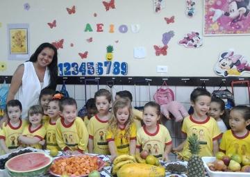 Com a colaboração da estagiária Dayane Pereira as crianças do CMEI desenvolveram atividades diferenciadas