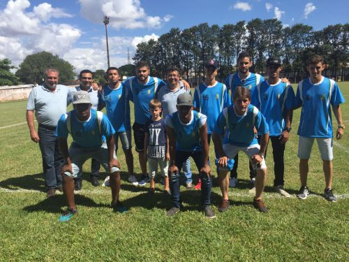 Prefeito Baco prestigia abertura da Copa Comcam/Sicredi de Futebol