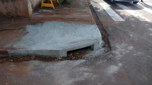 Prefeitura realiza limpeza e manutenção de bocas-de-lobo