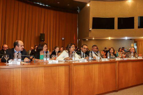 Secretária de Saúde participa de reunião em Brasília e informa que nova médica cubana esta chegando para atuar em Ubiratã