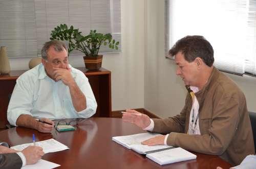 Gerente da Cohapar de C. Mourão visitou o prefeito Baco