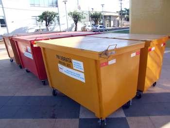 6 dos 25 containeres metálico modelo basculável já estão em Ubiratã, restante deve chegar nos próximos dias