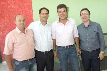 Acompanharam o vice-prefeito à Corbélia, o presidente do Legislativo, Sebastião Osmar Beraldo e o chefe de Gabinete, Osmar Pires da Silva