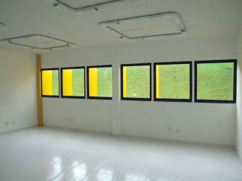 Uma das salas do prédio do Centro de Referência de Assistência Social