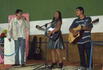 Os estudantes mostraram seus dons artísticos no palco