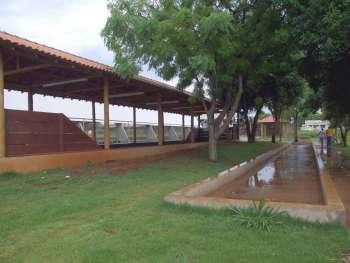 Ao lado do mini ginásio construído no Jardim Panorama foram feitas quadras de malha e bocha