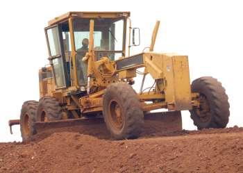 O serviço de patrolamento é realizado em 100% das estradas rurais de Ubiratã