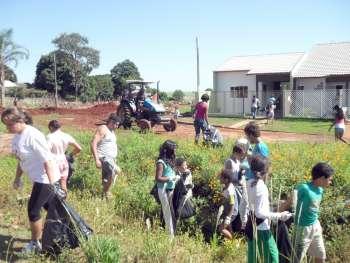 A organização das equipes é feita pelos próprios moradores