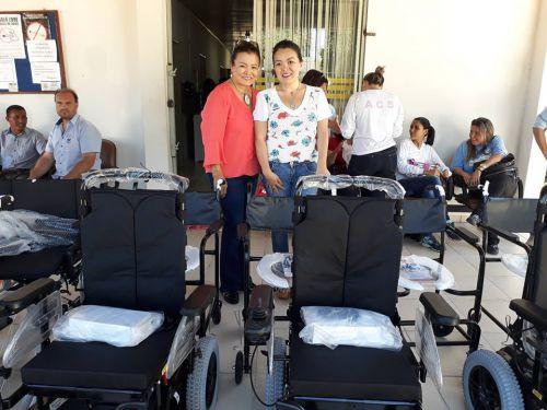 Secretaria de Saúde faz entrega de Cadeiras de Rodas a População