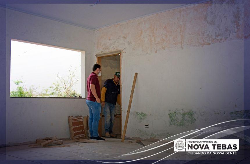 Mais uma etapa da reforma da Escola Emiliano Perneta está sendo concluída