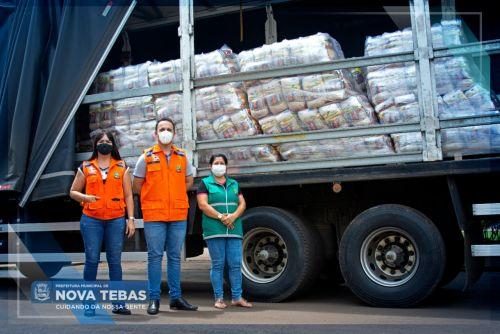 Nova Tebas recebe 600 cestas básicas da Defesa Civil