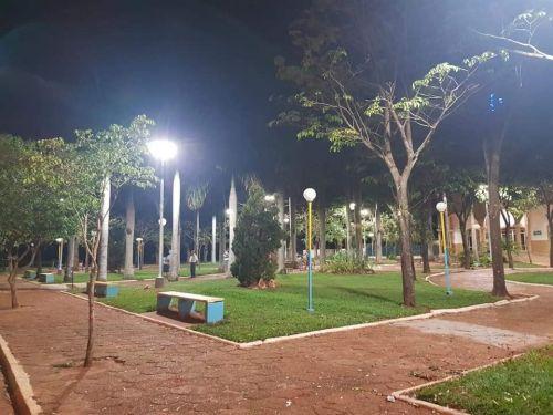 Praça de Adhemar de Barros já está com nova iluminação de led
