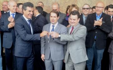 Da Assessoria  O governador do Paraná, Be
