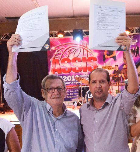 Pegoraro recebe de Micheletto liberação para início das obras no Araçá e Paraná