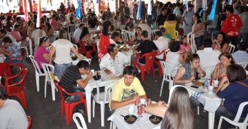 Restaurante abrirá no sábado ao meio dia e no domingo com almoços especiais