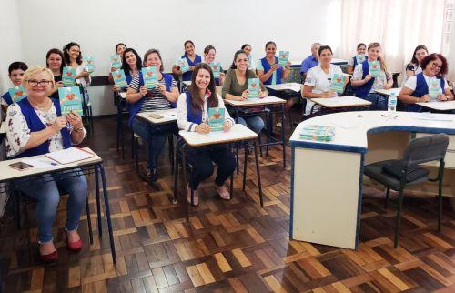 Assis oferece palestra sobre qualidade de vida à profissionais da Educação
