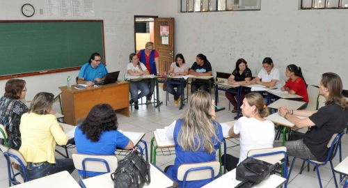 Professores passam por capacitação sobre Base Nacional Comum nessa terça