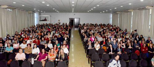 Assis realiza Seminário de Saúde Integrativa na Escola com professores municipais