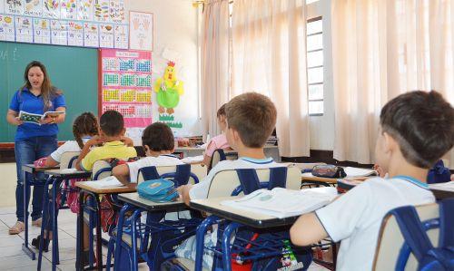 Rede Municipal de Assis Chateaubriand volta às aulas nesta quarta-feira