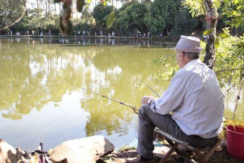 Mandaguari libera pesca no Parque da Pedreira nesta quinta-feira