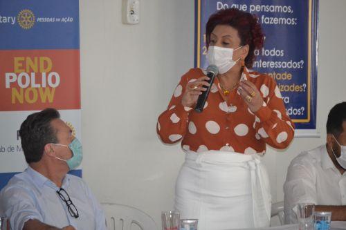 Prefeita Ivon�ia e Marcio Nunes, secret�rio estadual, durante encontro em Mandaguari.