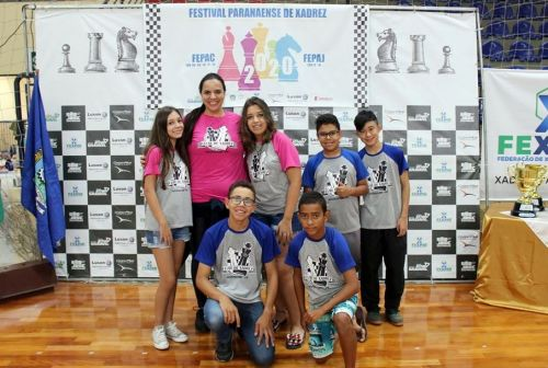 Mandaguari conquista bons resultados do Festival paranaense de Xadrez